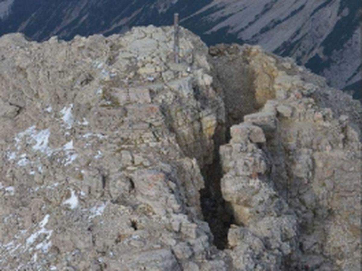 Detail Ostspalte | Gutachten Landesgeologie Tirol, 25.09.2014